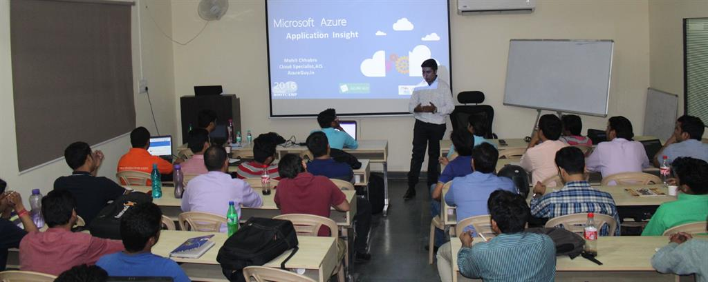 Mohit delivering his session